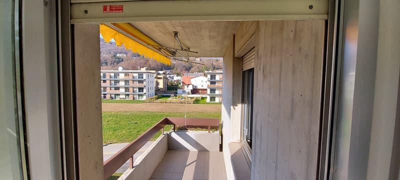 Spazioso appartamento rinnovato di 4.5 locali con doppi servizi (2)