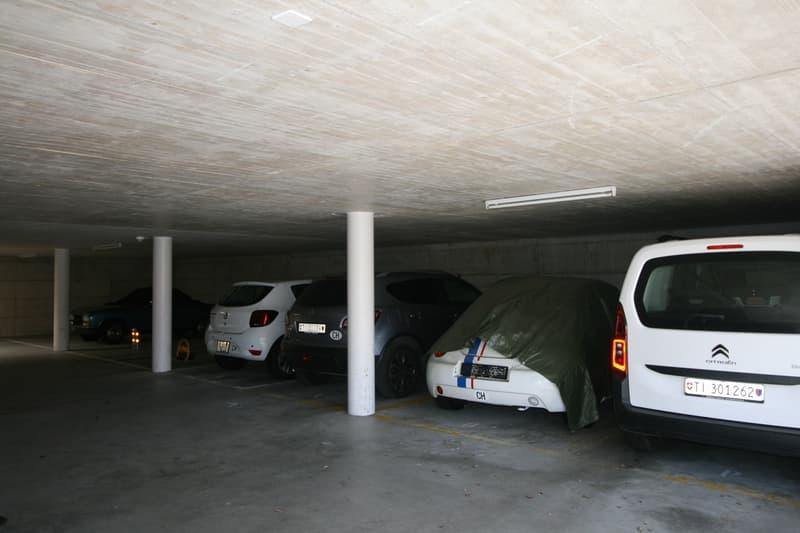 Parcheggio in autorimessa ad Arogno (2)