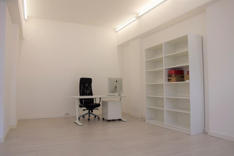 Vendesi spazioso ufficio/locale commerciale con vetrina (2)