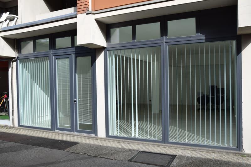 Vendesi spazioso ufficio/locale commerciale con vetrina (4)