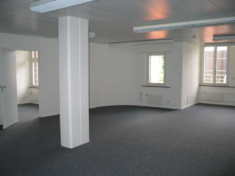 Büroraum_Ansicht 1