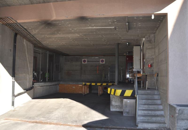 Grosszügige Lagerfläche inklusive Anlieferung in Zizers zu vermieten (3)