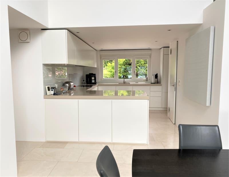 Wunderschöne Villa an idealer Lage mit unverbaubarer Seesicht und viel Privatsphäre (5)