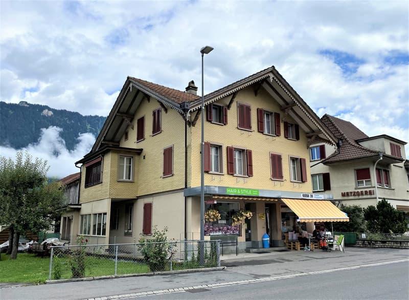 Wohn- und Geschäftshaus in zentraler Lage (1)