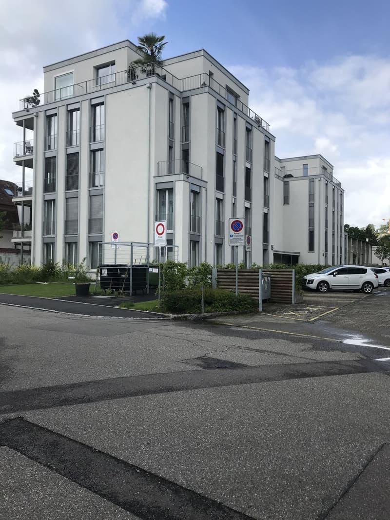 Einstellhallenplatz zu vermieten in Reinach (2)