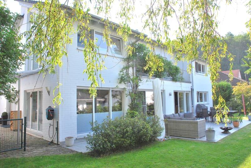Modernes 6 Zi. Einfamilienhaus mit Garten u. Panorama-Aussicht (1)