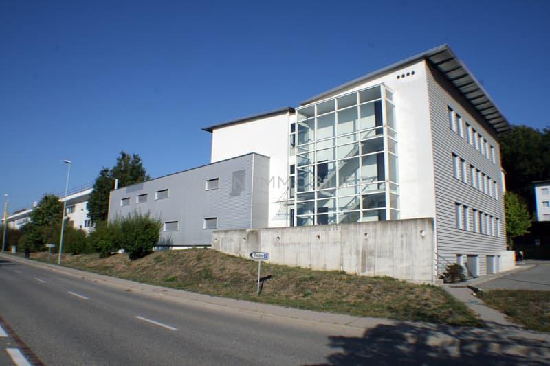 Immeuble administratif d'env. 1'350 m² + 22 places de parc extérieures (1)