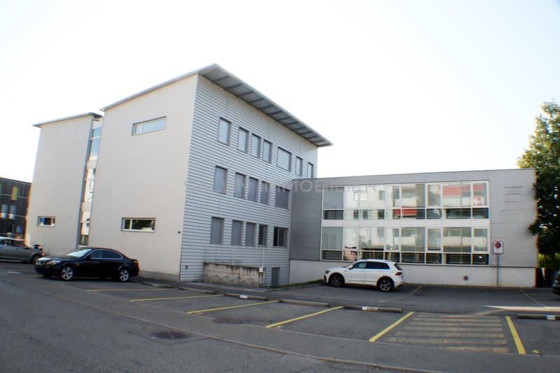 Immeuble administratif d'env. 1'350 m² + 22 places de parc extérieures (2)