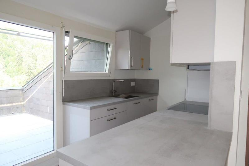 Küche mit Balkon Zutritt