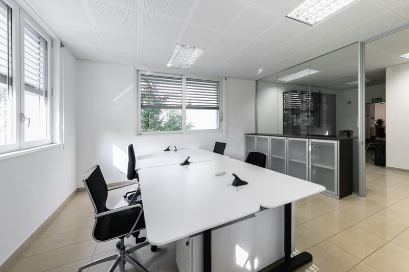 Lugano/Viganello - Affittasi luminoso ufficio di 156 mq (rif. 004) (1)