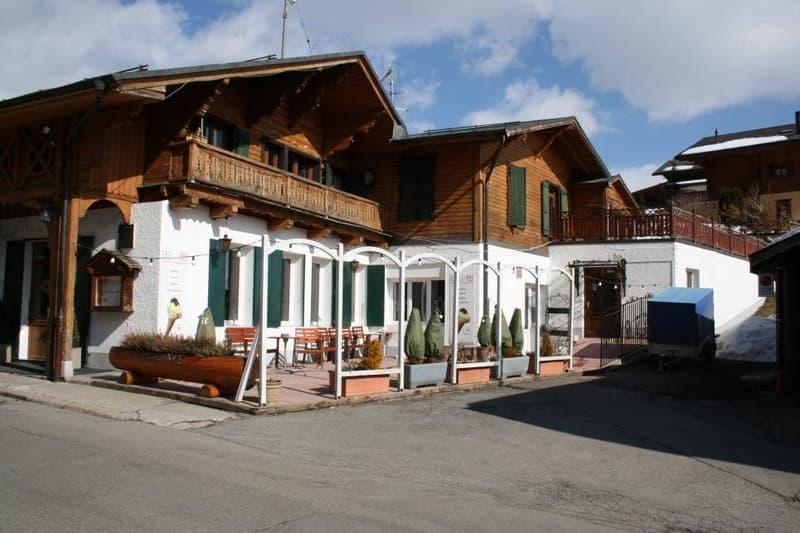 Immeuble locatif avec restaurant et 4 appartements à Leysin (1)