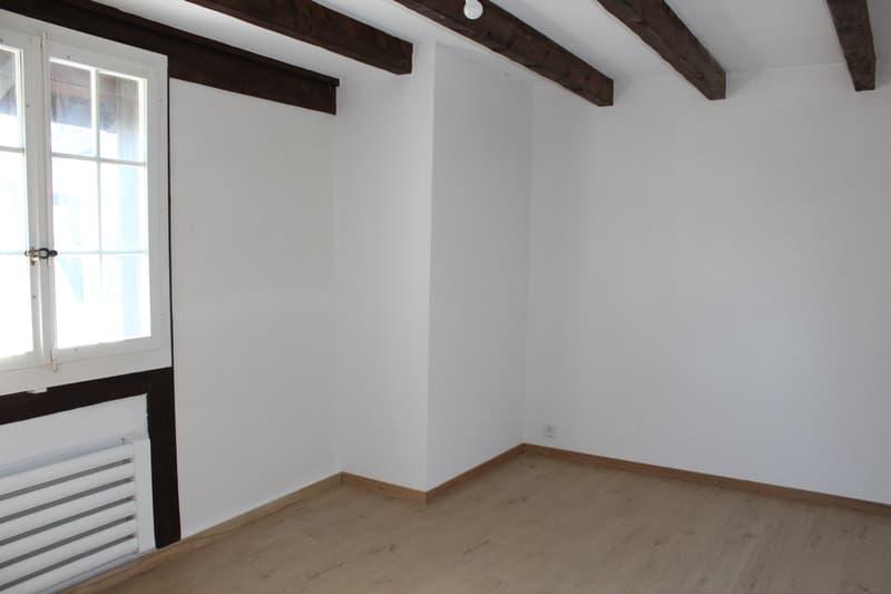 A louer authentique maison villageoise à Lavigny (5)