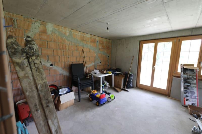 Mehrfamilienhaus mit Garage und Autounterstand (2)