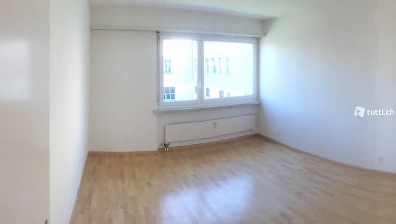 Helle 3 Zimmer Wohnung inkl. Parkplatz in Tiefgarage (5)