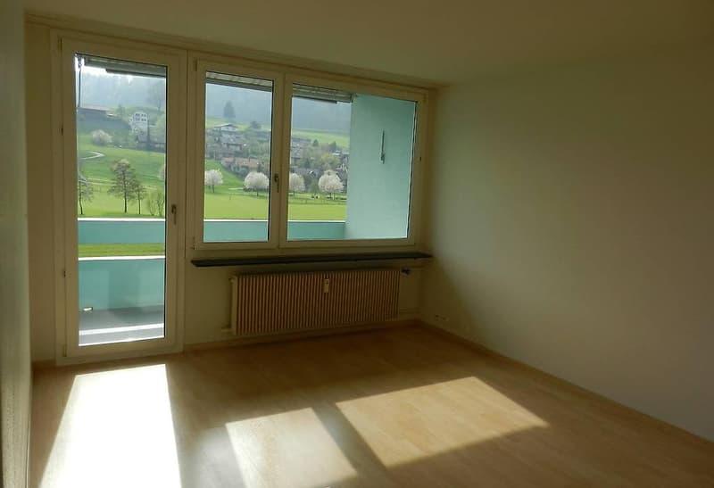 4 - Zimmer-Wohnung per sofort oder nach Vereinbarung (1)