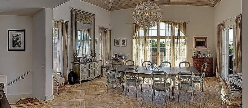 Belle maison dans les vignes avec vue sur le Jura ****** (1)