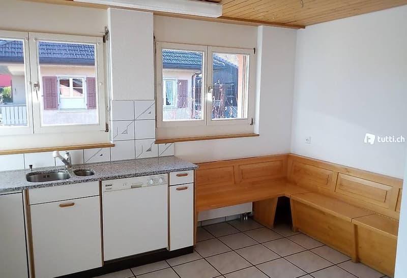 Helle 3 1/2 Zimmer-Wohnung mit Südbalkon im Obergeschoss (1)