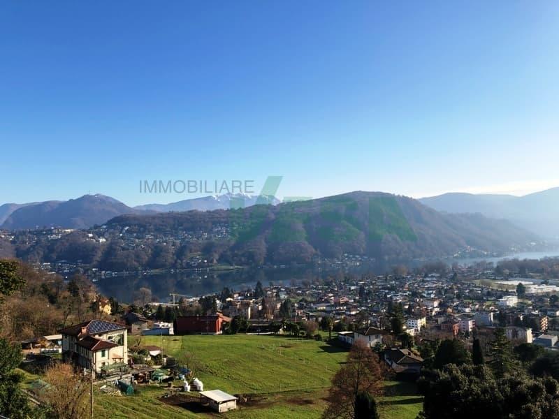 Bel terreno con splendida vista panoramica sul lago e sui monti (2)