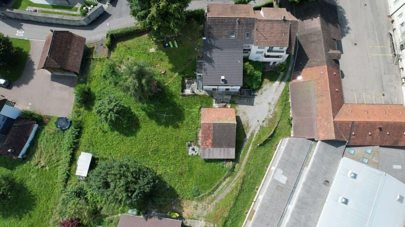 Mehrfamilienhaus mit grossem Bauland (2)