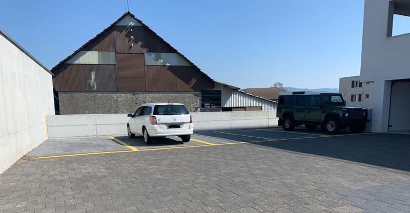 Zentral gelegener Parkplatz zu verkaufen (1)