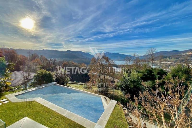 Grosszügige Villa mit Pool & herrlichen Seeblick auf den Luganer See zu verkaufen (2)