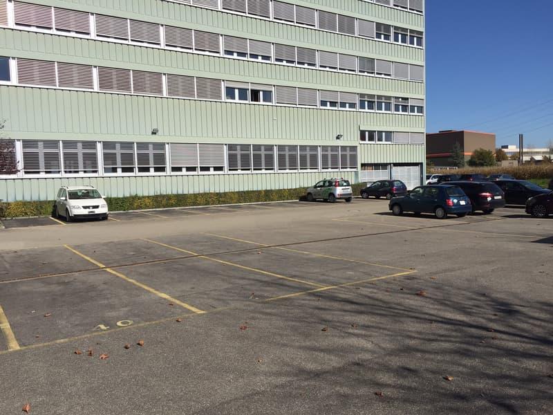 Business Center Studen - Parkplätze (1)