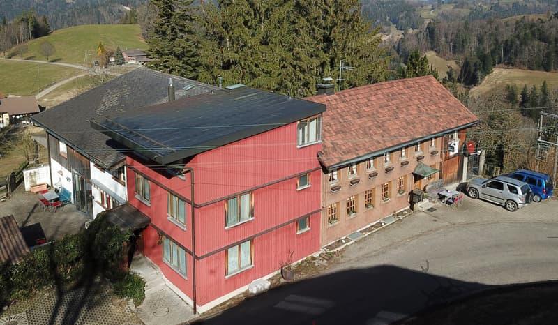 5-Zimmer-Wohnhaus mit Gruppenhaus und Hallenbad an nebelarmer Lage! (1)