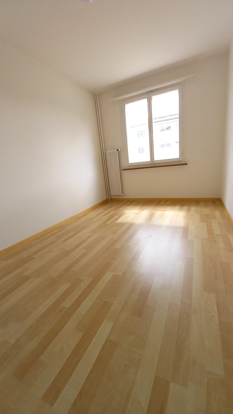 Attraktive, günstige 3 Zimmerwohnung (5)