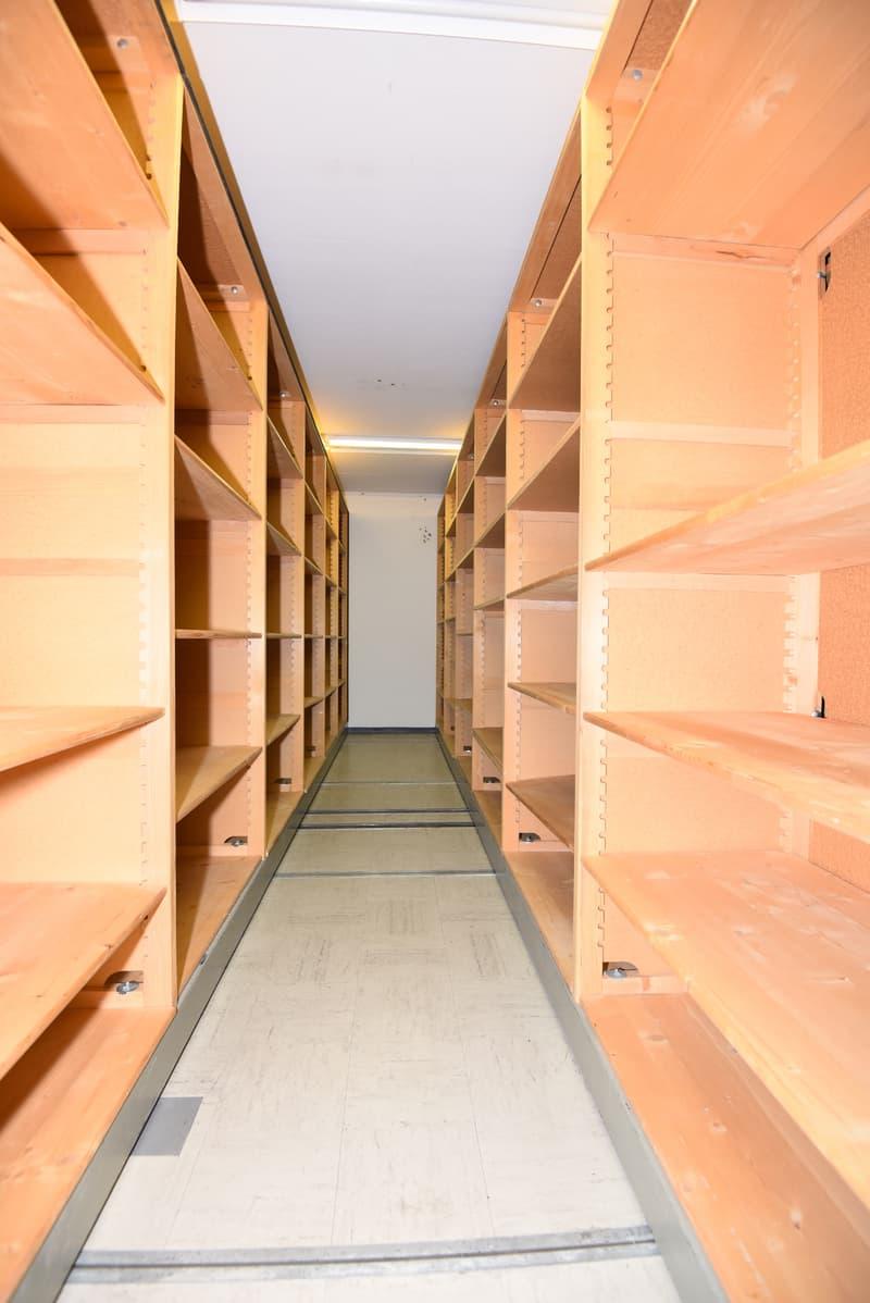 A deux pas de la place Pury - Local de stockage de 80 m2 (4)