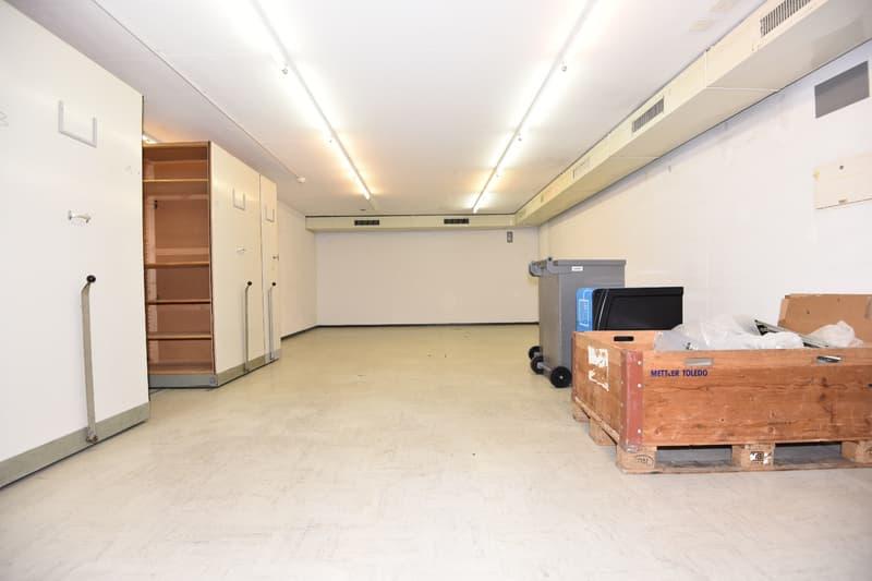 A deux pas de la place Pury - Local de stockage de 80 m2 (2)