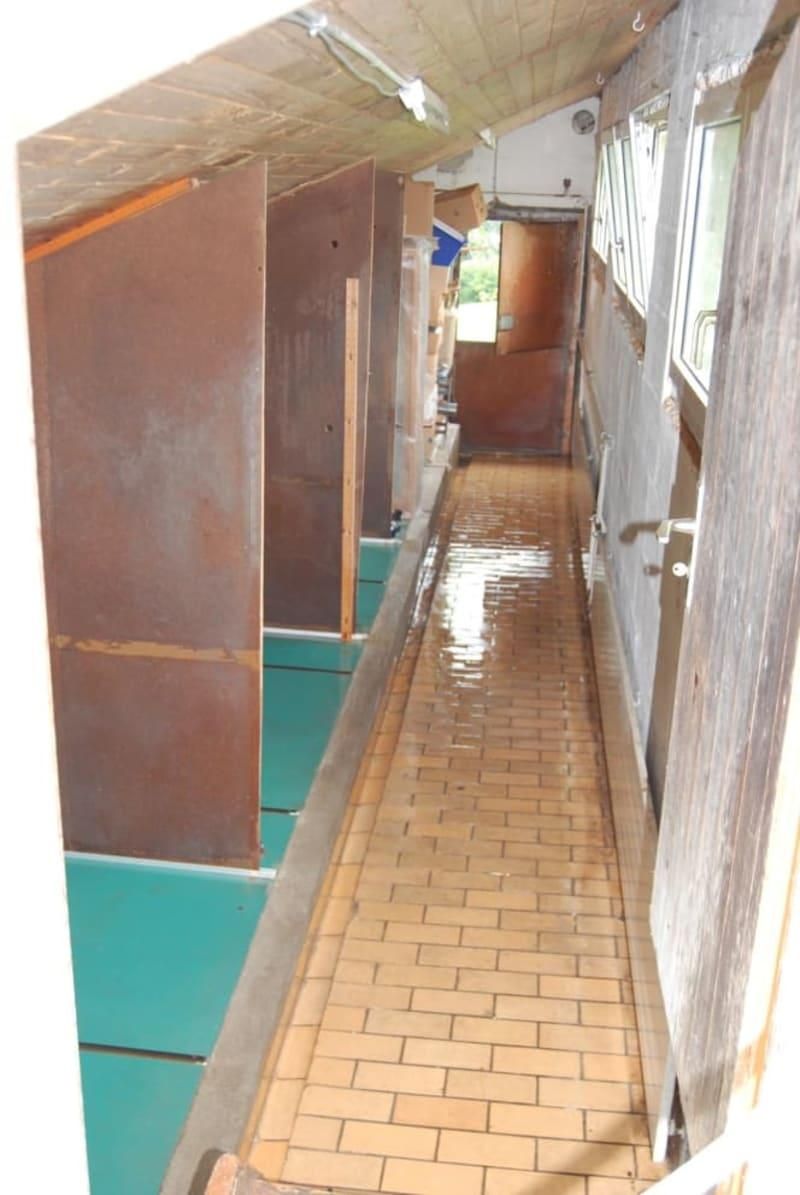 Lagerraum im Nebengebäude (eh. Hundehaltung)