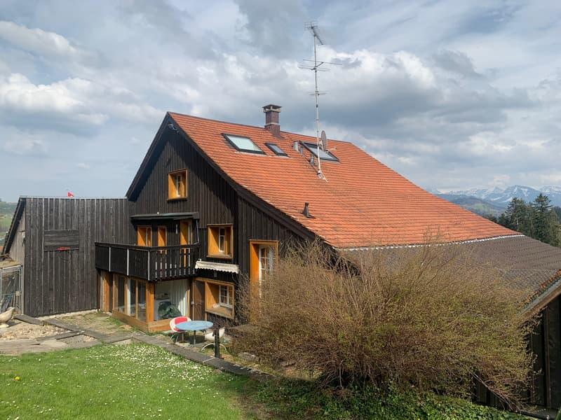 Ansicht Eigenheim mit Garten