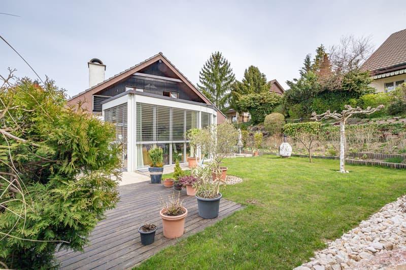 Freistehendes Einfamilienhaus mit Wintergarten im privilegierten Wohnquartier in Uhwiesen (1)