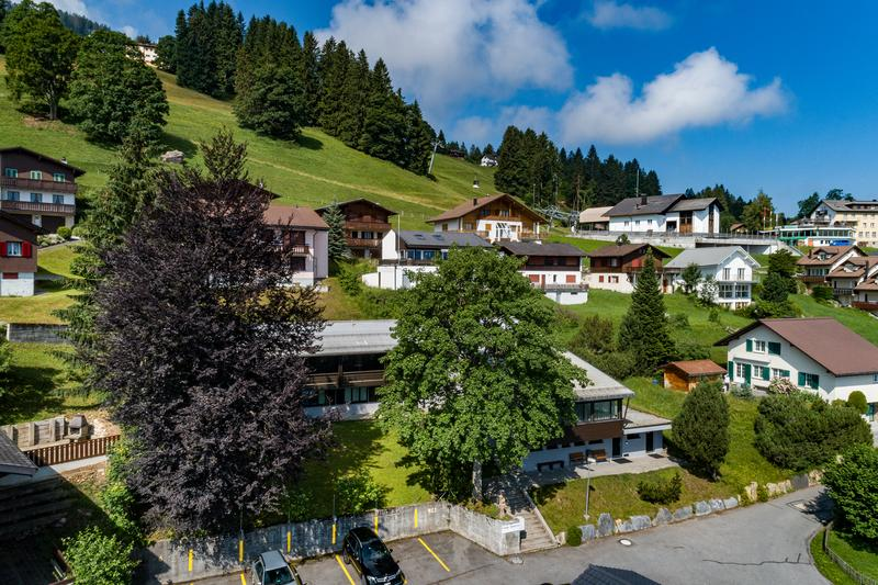 beliebtes Clubhaus - renoviert an herrlicher Aussichtslage (6)