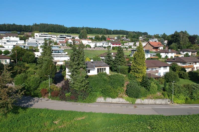 Neues exklusives 6,5-Zimmer-Einfamilienhaus an Top-Wohnlage zu verkaufen (2)