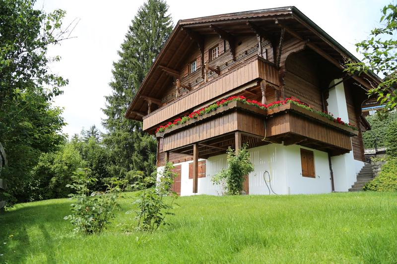 Chalet an exklusiver Lage in Gstaad Oberbort (Winter 21/22) (1)