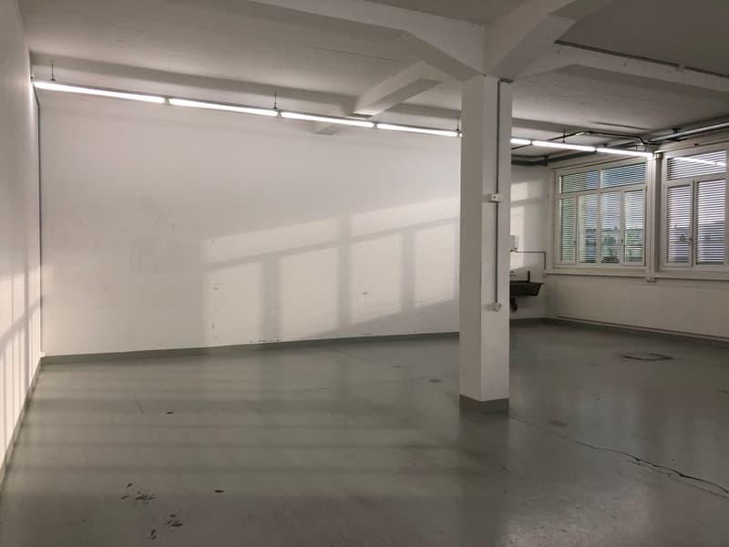 zu vermieten Gewerbefläche/Büro ca. 120m² (2)